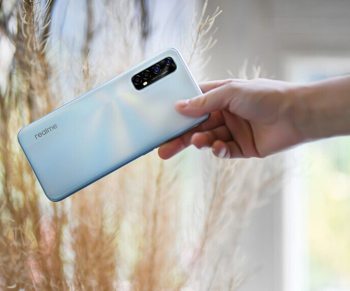 Realme 7 and 7 Pro: long life to 4G in the mid-range with up to 8 GB of RAM and fast charging of 65W